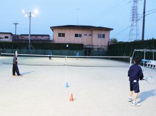 ソフトテニスの練習の様子